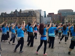Rear view of Shimmy Mob at Parliament Hill